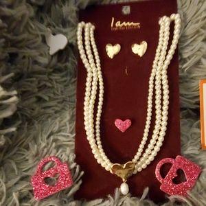 Earring/ pearl strand necklace set N.W.T hammerd g
